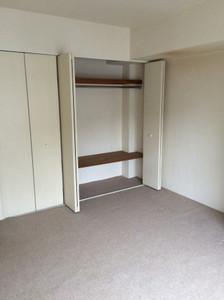 Closet_empty